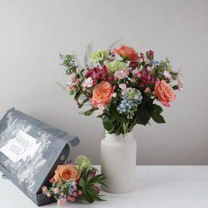Letterbox Verona - flowers